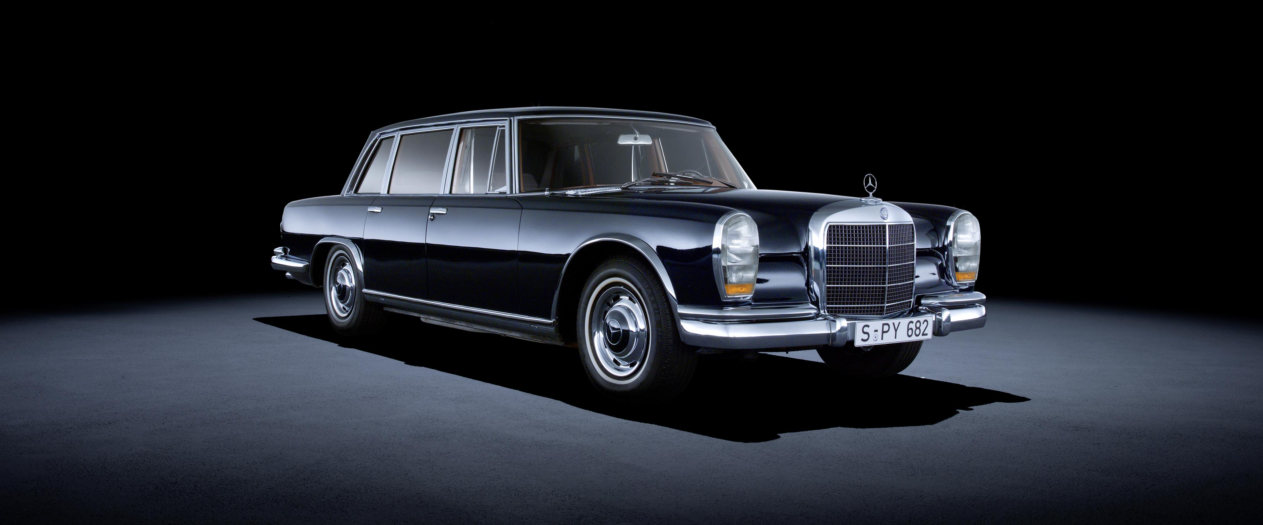 L Icone Da La Mercedes Benz