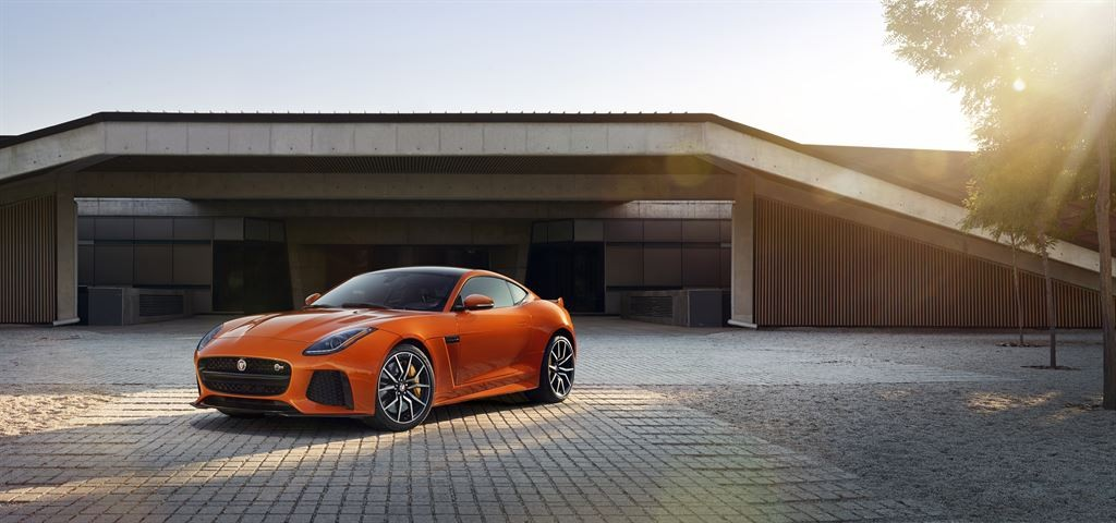 Jag_FTYPE_SVR_Coupe_Location_170216_04_LowRes