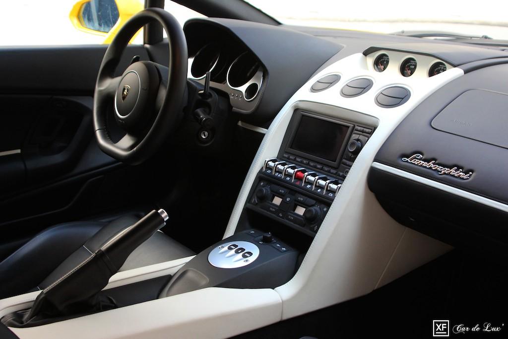 Le Cockpit de la Gallardo LP550-2 Balboni