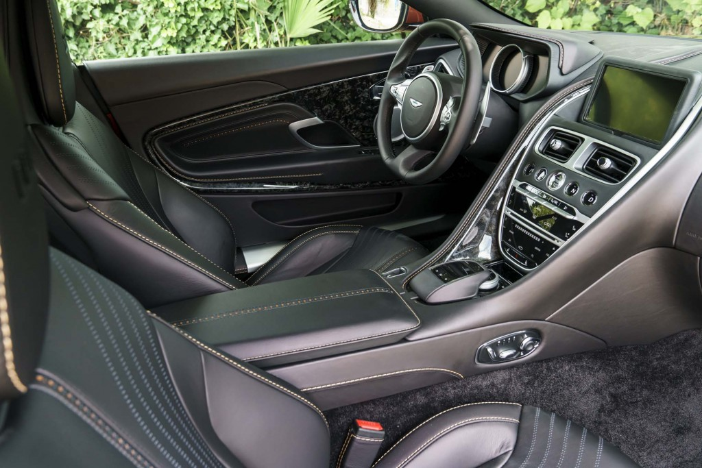 2017-Aston-Martin-DB11-interior-02-1