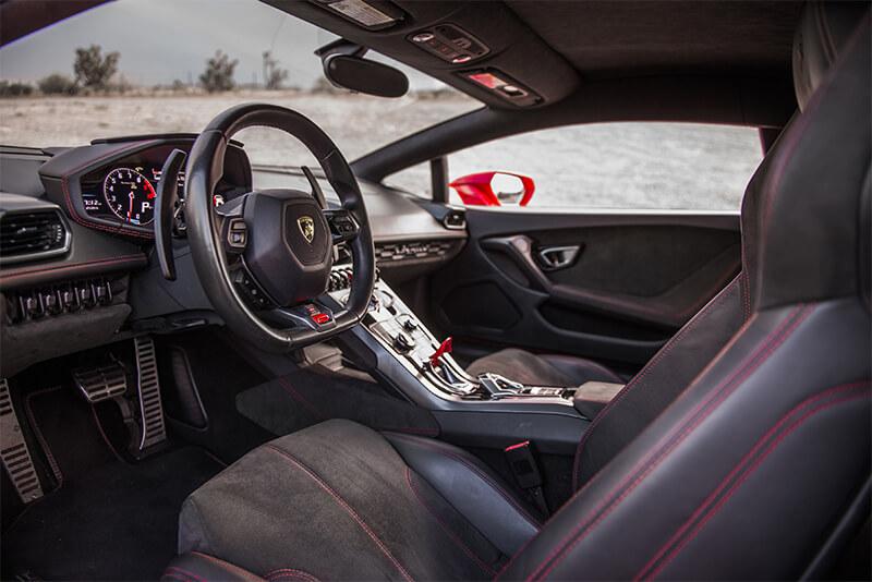 58aba2fd51a598cc7c5a7b2b_2015-lamborghini-huracan-610-4-red-interior-dash-royalty-exotic-cars
