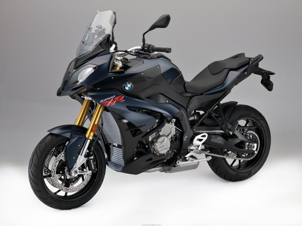 BMW-S1000XR-2017-Euro4-16