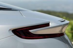 large_Aston-Martin-DB11-Details-02