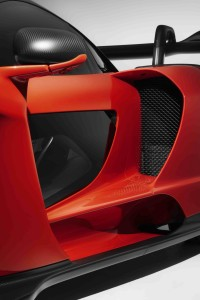 8625McLaren-Senna--side-intake-and-door-strake