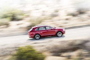 Bentley Bentayga named SUV of the Year by Robb Report UK 03