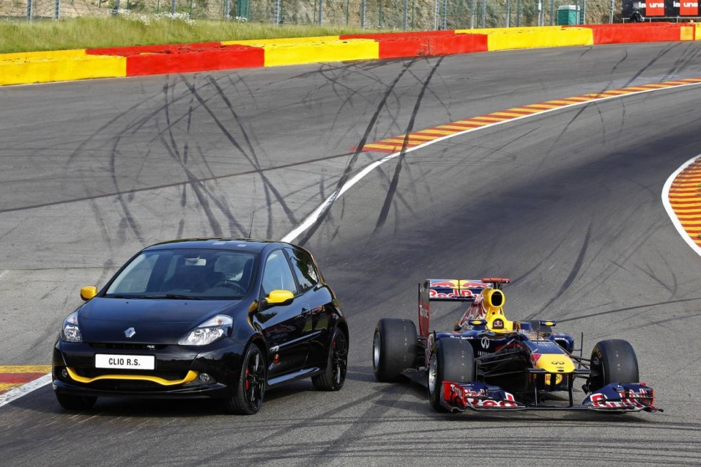 Renault-Clio-R.S.-Red-Bull-1280x852